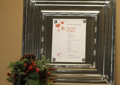 Gift ideas on Panel with Centerpiece 2